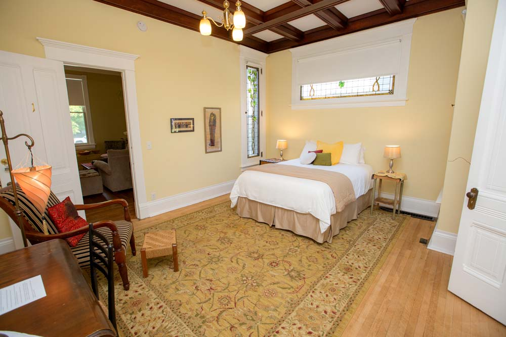 Cairo Room, Inn on South Fifth Street, Goshen, Indiana