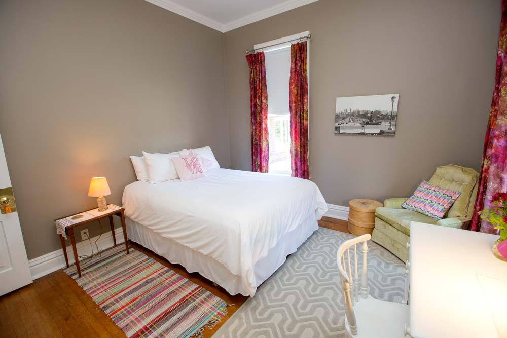 Philadelphia Room, Inn on South Fifth Street, Goshen, Indiana